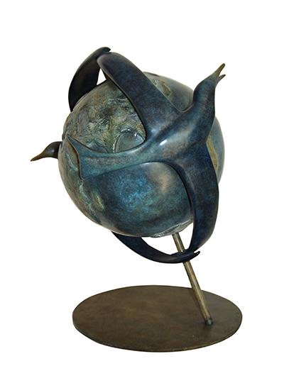 les-ailes-de-la-paix-bronze-sculpture-sky-collection-by-ceve