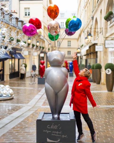 glossy-teddy-village-royal-paris-8-ceve-sculpture